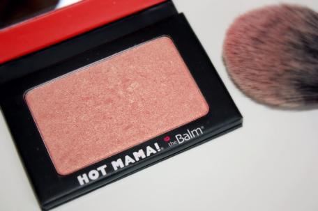 hot-mama-produit-chouchou-signe-the-balm-L-e3FEPN